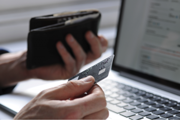 Personal Loans vs. Credit Cards: Which is Better for Borrowing?
